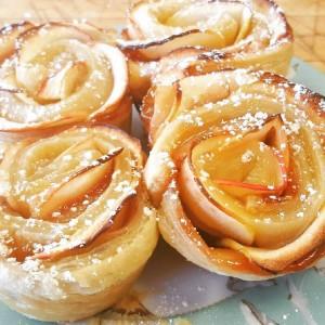 freshly baked, daily gourmet breakfast, ashland, Oregon, Bed and Breakfast, downtown Ashland, baked apple rose