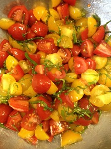 fresh heirloom tomatoes, farmers market